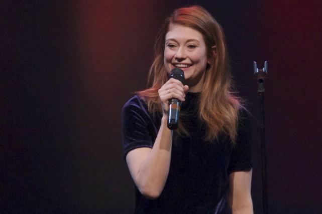 Katherine Levac a bien fait rire la foule.... (Le Progrès-Dimanche, René Bouchard)