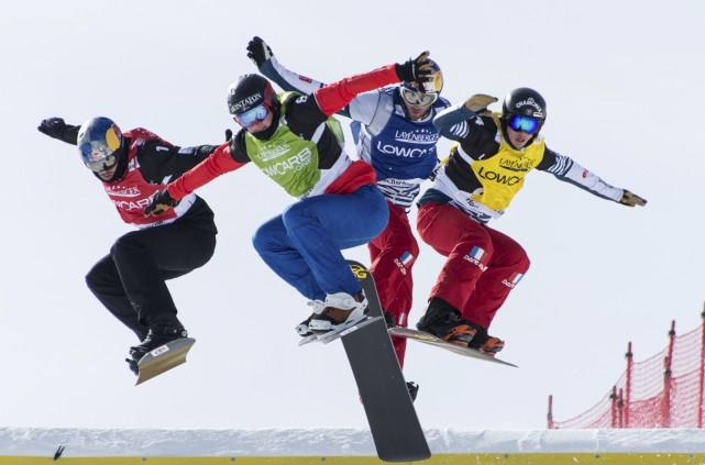 La Coupe du monde de snowboard a donné... (Photo AP)