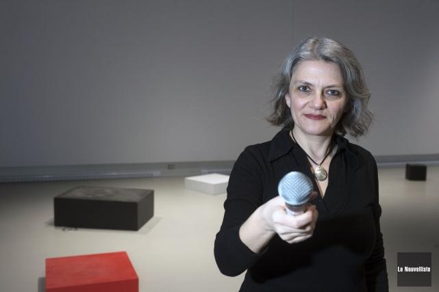 L'artiste française Agnès Aubague présente l'expositionSocle de paroleà... (Stéphane Lessard, Le Nouvelliste)