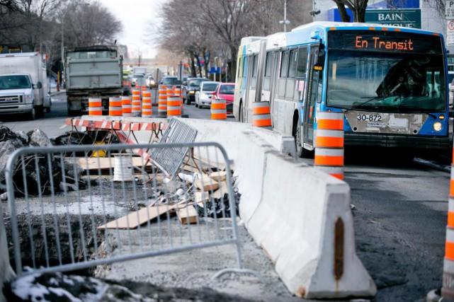 Montréal a annoncé avoir réparé en 2016 plus... (PHOTO DAVID BOILY, ARCHIVES LA PRESSE)