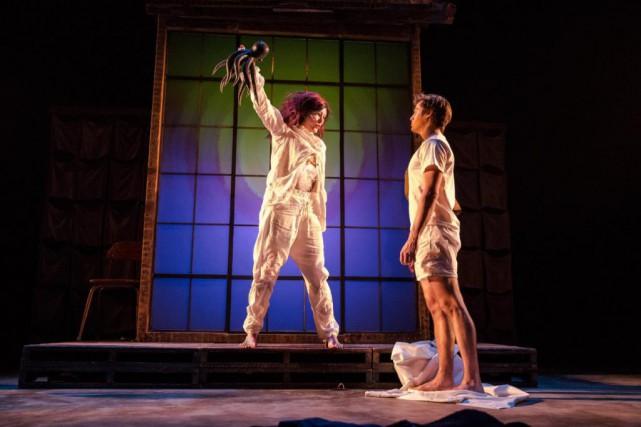 Rachel Graton et Philippe Thibault-Denis dans la pièceAssoiffés... (Photo fournie par le Théâtre Denise-Pelletier)