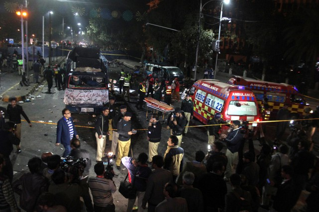 L'explosion s'est produite au milieu d'une manifestation rassemblant... (PHOTO REUTERS/STRINGER)