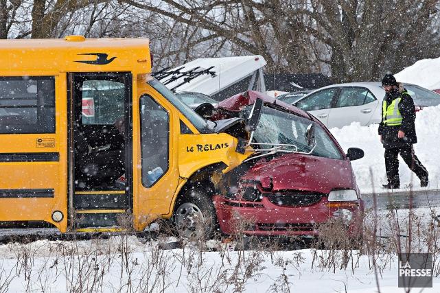 L'accident s'est produit sur la route 201, près... (Patrick Sanfaçon, La Presse)