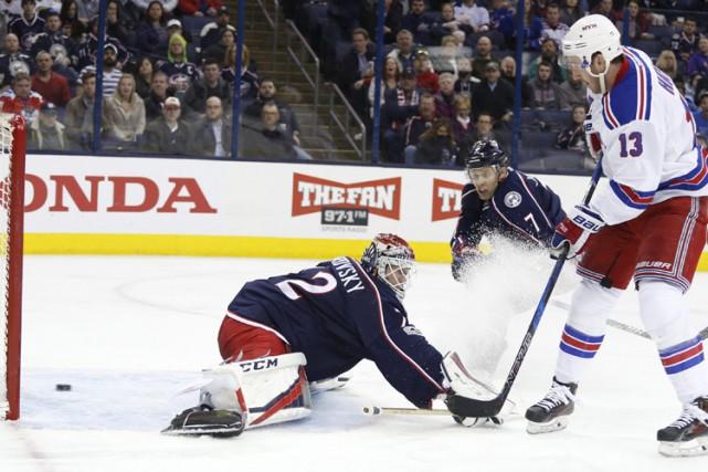 Jimmy Vesey a brisé l'impasse à 13:28 en troisième période et Antti Raanta a... (PHOTO AP)