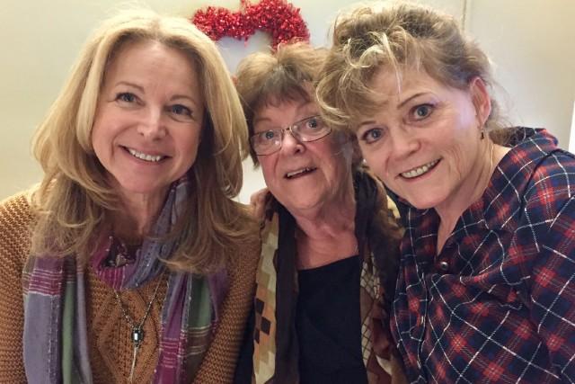 Kathleen, Nicole et Linda, les trois tantes biologiques... (courtoisie Lise Couture)