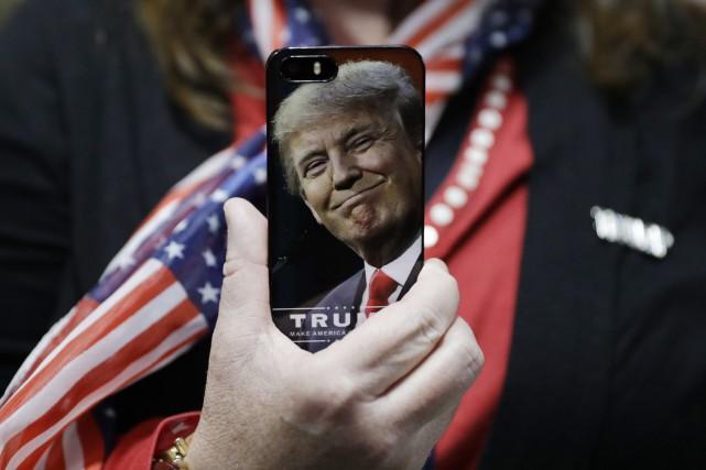 Deux sénateurs américains ont réclamé des précisions sur les mesures de... (Photo John Locher, archives Associated Press)
