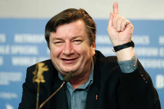 Le réalisateur finlandais Aki Kaurismäki a présenté L'autre... (PHOTO AFP)