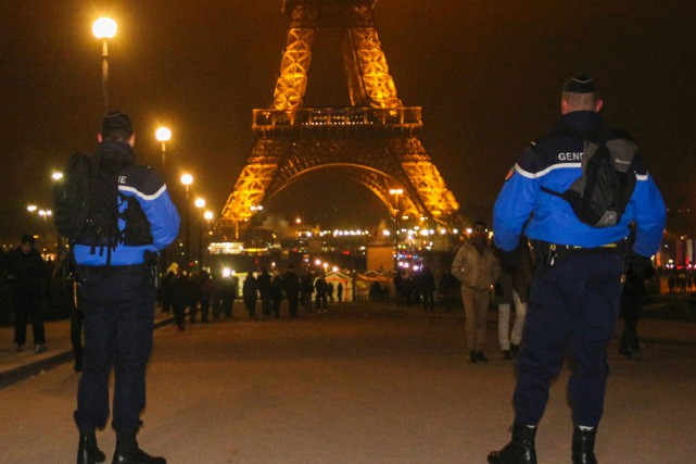 Les enquêteurs soupçonnent trois suspects d'avoir voulu commettre... (PHOTO AFP)