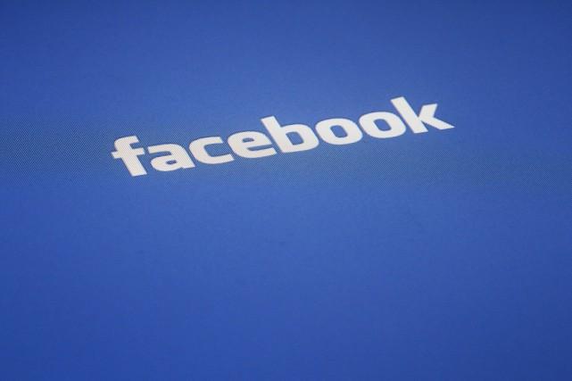 Facebook poursuit son offensive dans les vidéos avec l'annonce lundi d'une... (Photo James H. Collins, archives AP)
