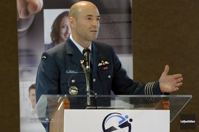Le colonel Darcy Molstad, commandant de la Base... (Photo Le Quotidien, Jeannot Lévesque)