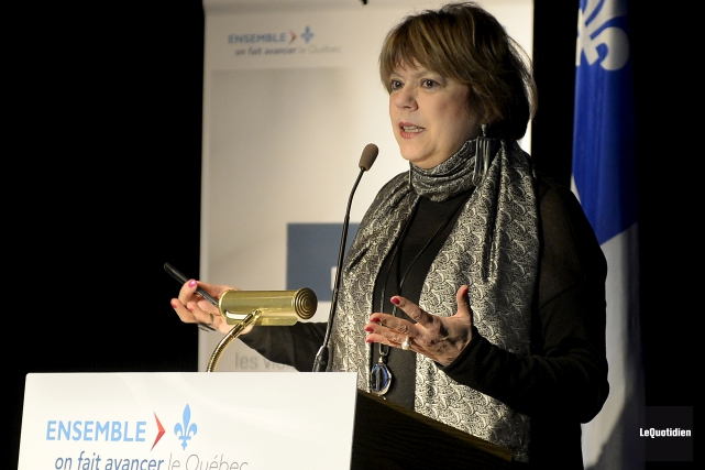 La ministre de l'Enseignement supérieur, Hélène David se... (Archives Le Quotidien)