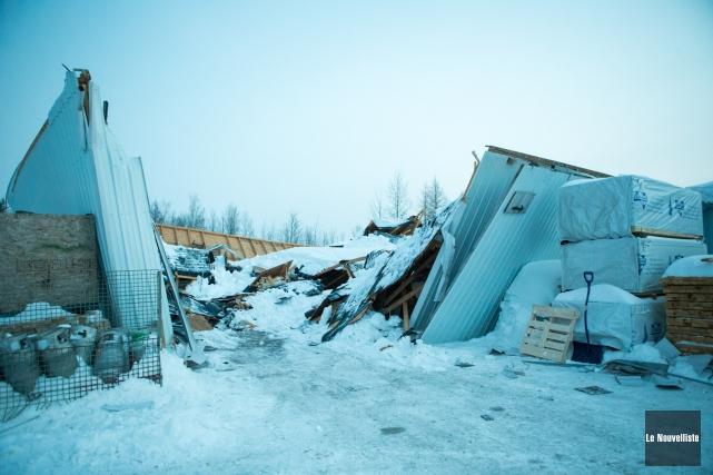 L'entrepôt de l'entreprise Palettes Laviolette s'est effondré sous... (Olivier Croteau, Le Nouvelliste)