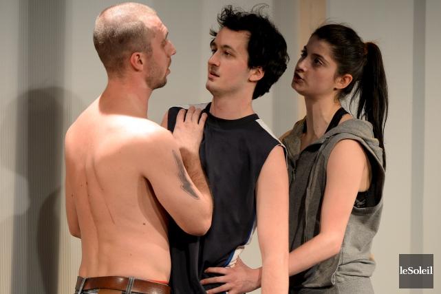 Les comédiens David Bouchard, Dayne Simard et Ariane... (Le Soleil, Erick Labbé)