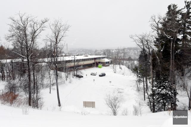 Un projet de tour à condominiums pourrait voit... (Photo Le Quotidien, Rocket Lavoie)