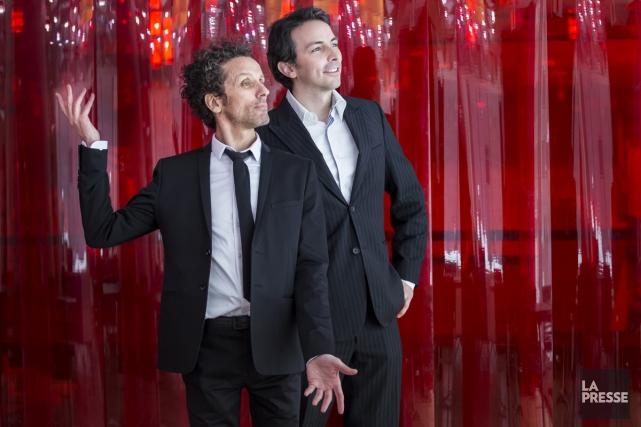 André Sauvé en compagnie du chef d'orchestre Adam... (PHOTO MARTIN LEBLANC, LA PRESSE)