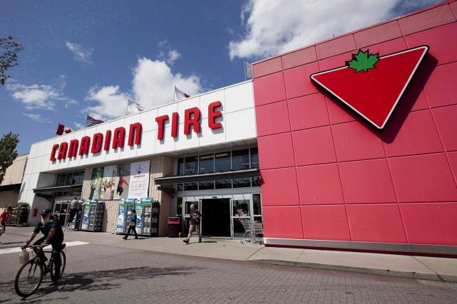 Les ventes des magasins ouverts depuis au moins... (PHOTO Jonathan Hayward, ARCHIVES LA PRESSE CANADIENNE)