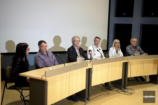 Les docteurs Pierre Michaud, Fabien Simard, Marc-André Brassard,... (Photo Le Quotidien, Jeannot Lévesque)