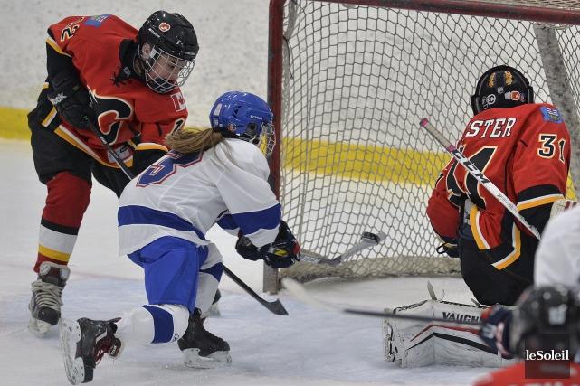 L'Équipe féminine du Québec a inscrit trois buts... (Le Soleil, Patrice Laroche)