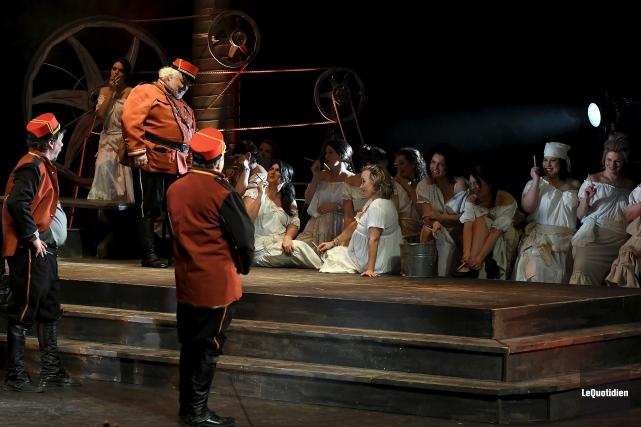 L'opéra Carmen, présenté au Théâtre Banque Nationale de... (Photo Le Quotidien, Rocket Lavoie)