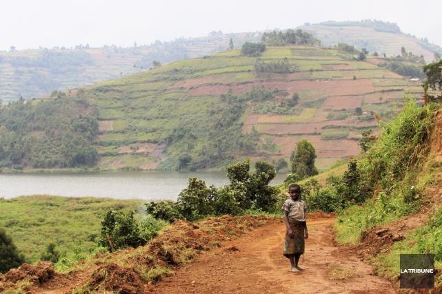 Quelque part sur les rives du lac Bunyonyi,... (La Tribune, Jonathan Custeau)