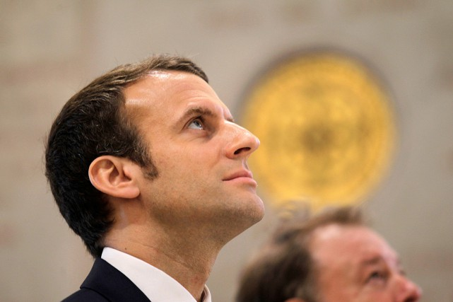 Le candidat centriste à l'élection présidentielle en France Emmanuel... (PHOTO RAMZI BOUDINA, REUTERS)
