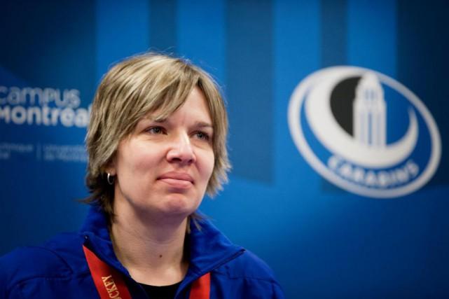 Isabelle Leclaire, entraîneuse-chef des Carabins... (PHOTO MARCO CAMPANOZZI, archives LA PRESSE)