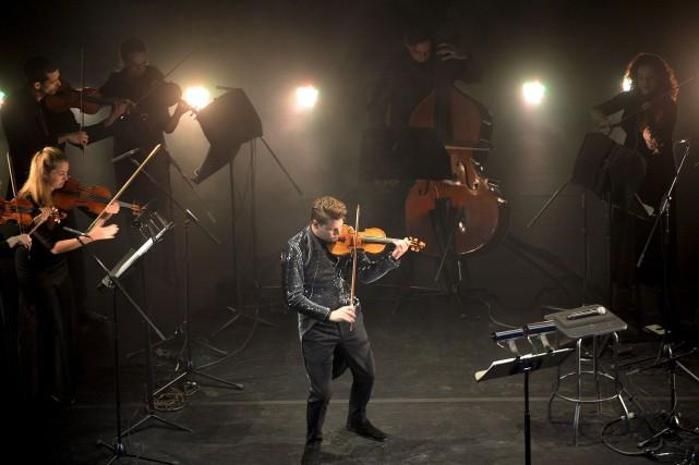 Le violon d'Alexandre da Costa prend le rôle... (Le Soleil, Erick Labbé)