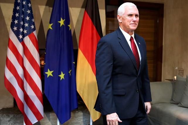«Le président m'a demandé d'être ici aujourd'hui [...]... (PHOTO MICHAEL DALDER, REUTERS)