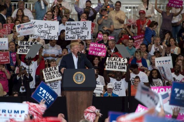 Trump s'adresse à ses partisans à un rassemblement... (Agence France-Presse)