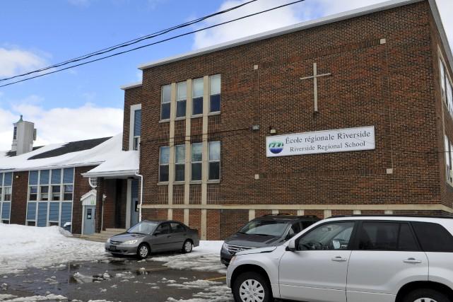 L'ancienne école primaire Riversiden'a pas trouvé preneur depuis... (Archives Le Progrès-Dimanche, Rocket Lavoie)