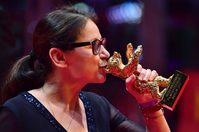 Ildiko Enyedi a reçu l'Ours d'or pour son... (Photo John MACDOUGALL, AFP)
