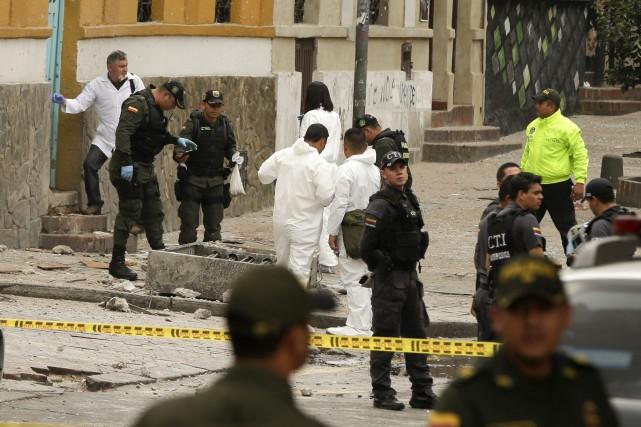 L'explosion est survenue près des arènes où les... (Photo Ricardo Mazalan, Associated Press)