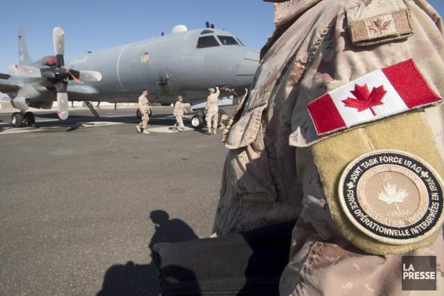 Deux avions de surveillance CP-140 Aurora ont réalisé... (La Presse canadienne, Ryan Remiorz)