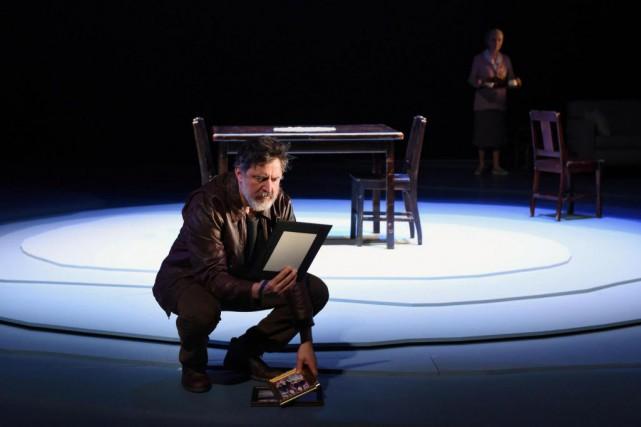 Dans la pièce Ne m'oublie pas, François Papineau... (Photo Caroline Laberge, fournie par Duceppe)