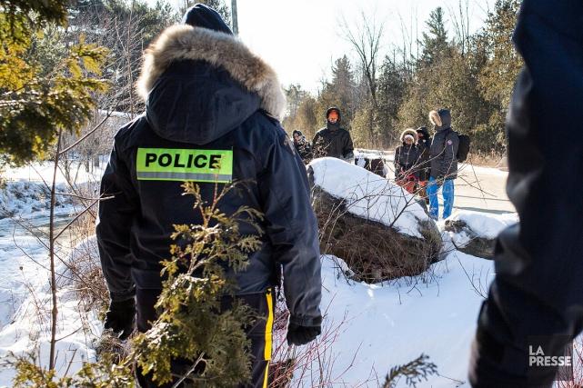 Le nombre d'immigrants illégaux entrant au Canada par... (Martin Tremblay, archives La Presse)
