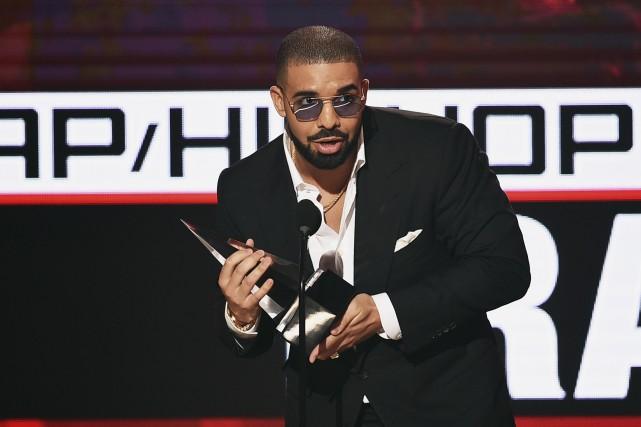 Drake à la cérémonie des American Music Awards,... (AFP, Kevin Winter)