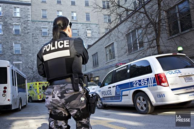 Une femme de 60 ans a été retrouvée sans vie dans une chambre du Centre... (PHOTO PATRICK SANFACON LA PRESSE)