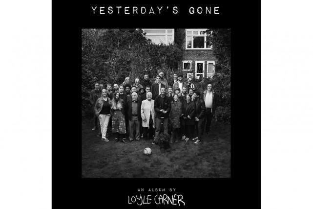 Yesterday's Gone, de Loyle Carner... (Image fournie par la maison de disques)
