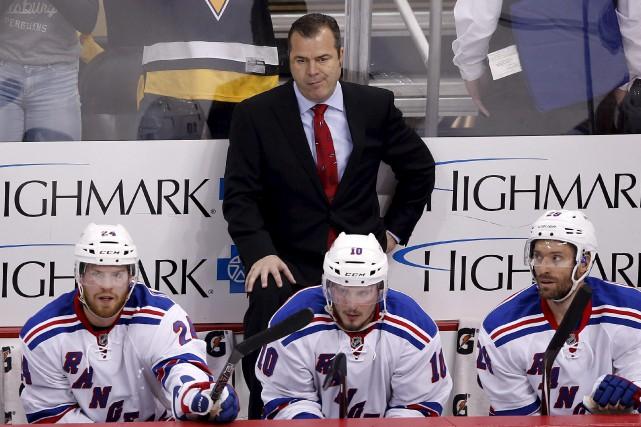 Lui-même coach des Rangers de New York, Alain... (AP, Gene J. Puskar)
