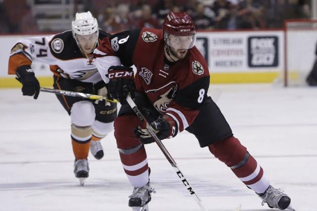 Les Coyotes de l'Arizona ont ébranlé les Ducks d'Anaheim avec trois buts en... (PHOTO AP)