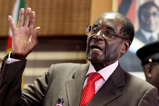 Robert Mugabe... (Photo Philimon Bulawayo, REUTERS)