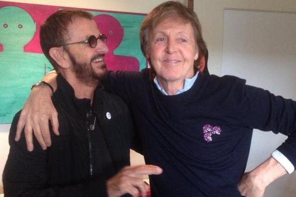 Paul McCartney (à droite) a participé à l'enregistrement... (PHOTO TIRÉE D'INSTAGRAM)