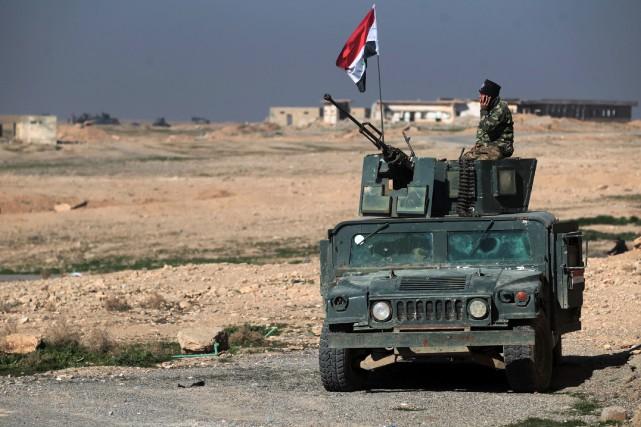 Lundi, les soldats ont avec le soutien de... (Photo Ahmad Al-Rubaye, Agence France-Presse)