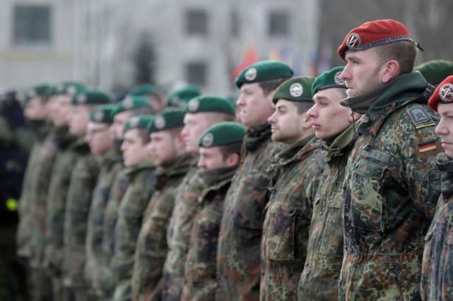 Les effectifs de l'armée allemande,la Bundeswehr,grimperont à près... (Photo Ints Kalnins, archives REUTERS)