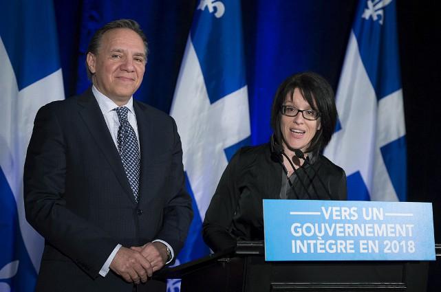 François Legault a présenté sa nouvelle prise, Sonia... (La Presse Canadienne, Graham Hughes)