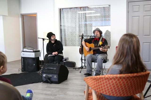 Le duo Véro et Sylv a lancé son... (photos Julie Catudal)