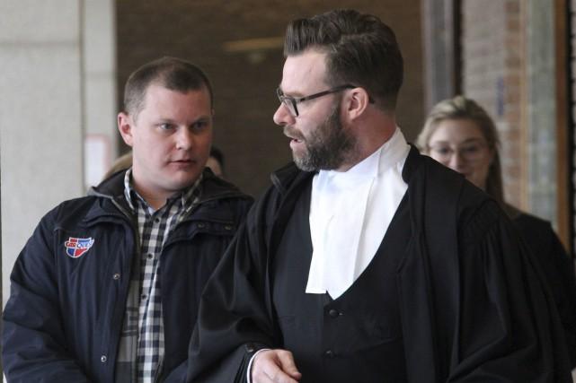 Frédéric Beaudoin et son avocat Me Guy Plourde.... (La Tribune, René-Charles Quirion)