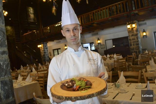 Hugo Lavoie-Drouin, chef du restaurant du Château Montebello,... (Benoit Sabourin, Le Droit)