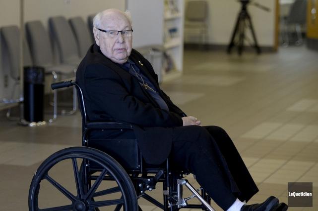 Monseigneur Jean-Guy Couture confirme n'avoir jamais été informé... (Photo Le Quotidien, Jeannot Lévesque)