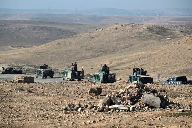 Les forces de sécurité irakiennes près de Mossoul.... (Photo Ahmad Al-Rubaye, Agence France-Presse)